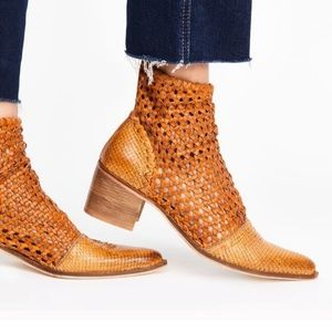 Free People in the loop woven boot 39 or 9